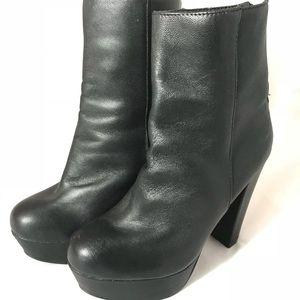 Steve Madden Black Leather Platform Booties 6.5